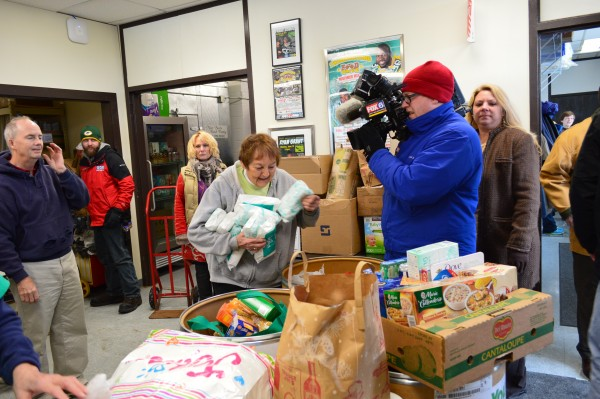 Community food drive in Brookfield, WI