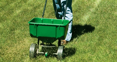 Lawn fertilizing in Brookfield, WI